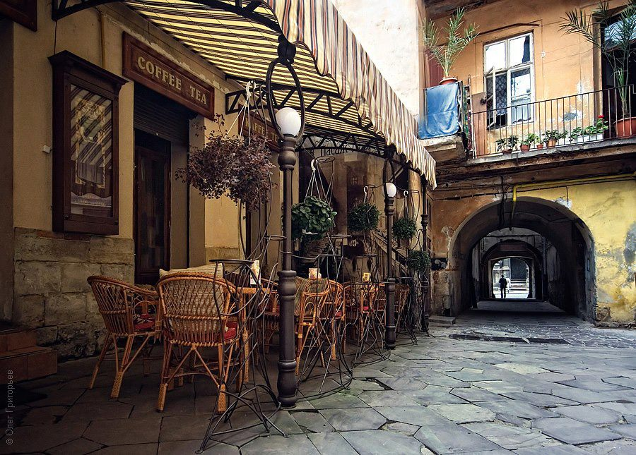 A cozy Lviv cafe in a cobblestone 18 century yard
